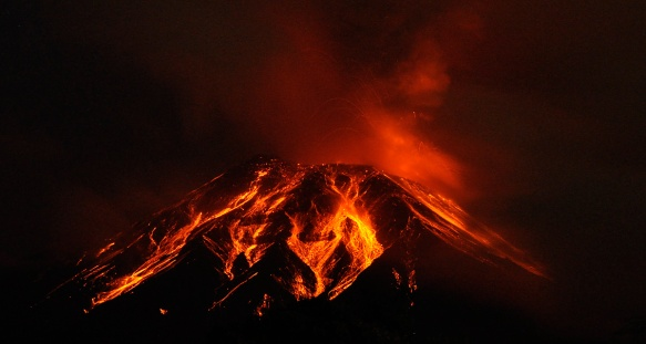 Rivulets of lava on a moonless night after snowcap had melted. Photo: Lou Jost
