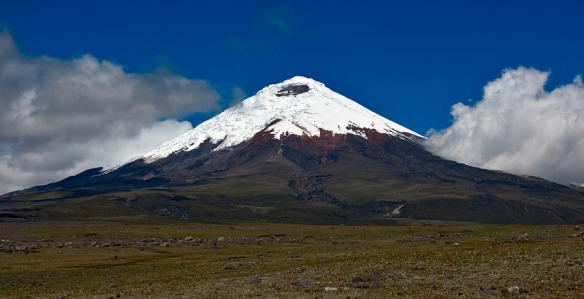 Cotopaxi asleep. Photo: Wikipedia, (c) gerardprins.com