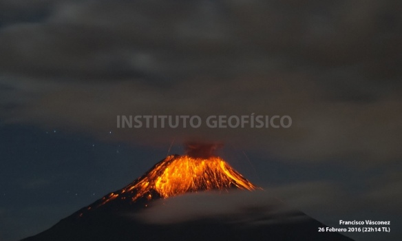 Volcan Tungurahua erupting Feb 26, 2016. Photo: Francisco Vasconez, Instituto Geofisico.